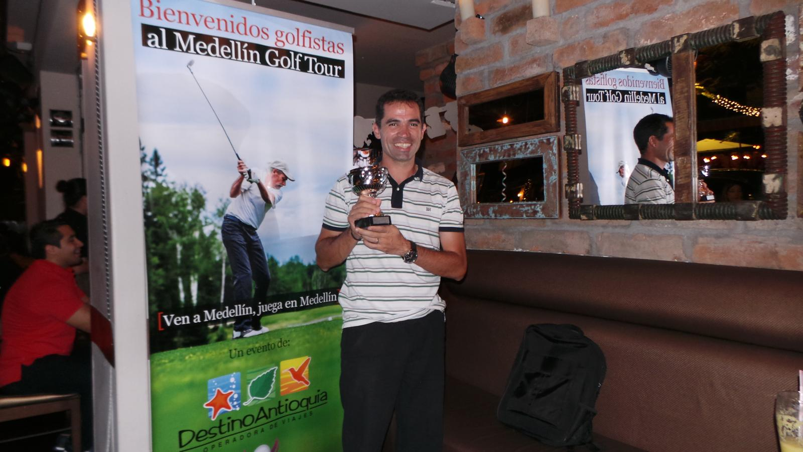 Ivan Luis Ramiro GANADOR ABSOLUTO Medellin Golf Tour 2015